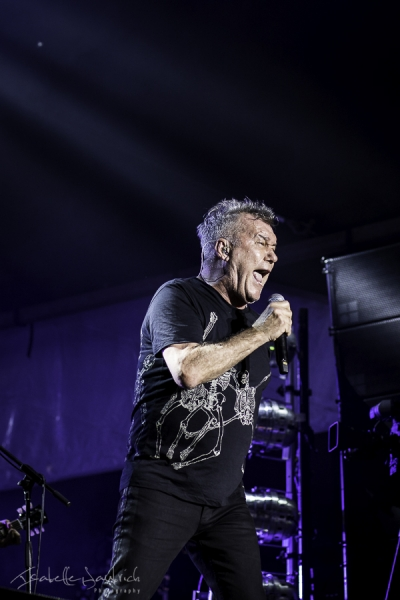 Jimmy Barnes 9