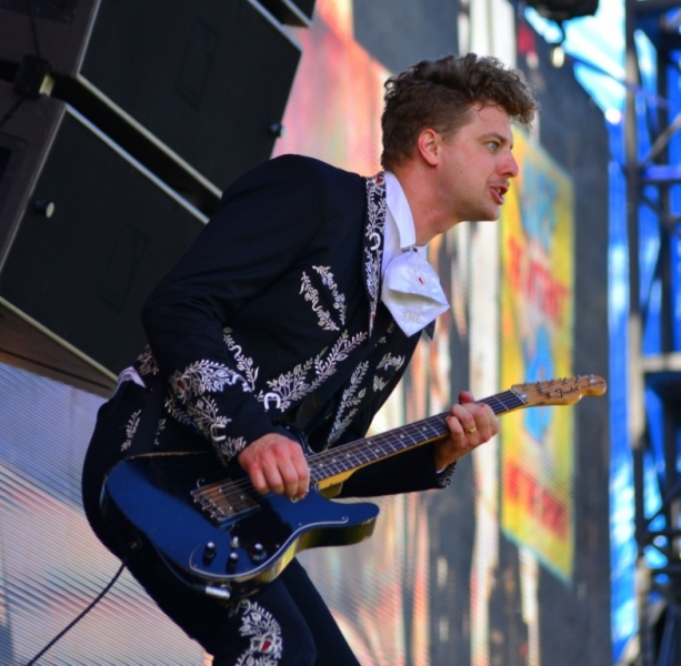 bdo-2014-live-the-hives-by-derek-noon-12