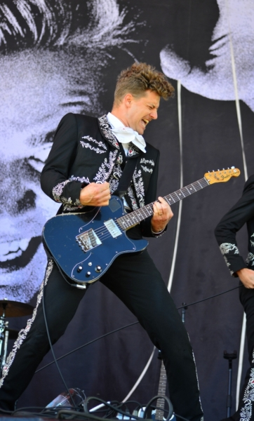 bdo-2014-live-the-hives-by-derek-noon-5