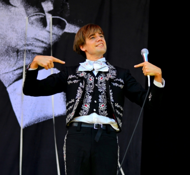 bdo-2014-live-the-hives-by-derek-noon-7