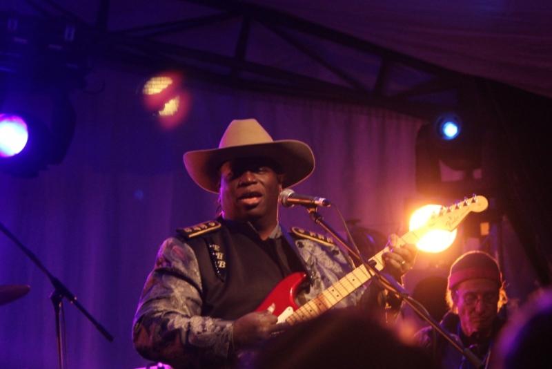 Blues At Bridgetown 2016 by Shane Pinnegar (06) Eugene Hideaway Bridges 1