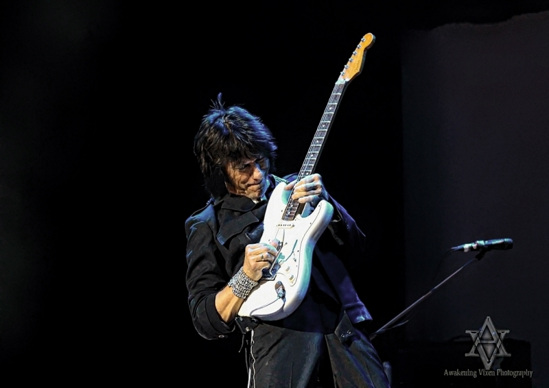 Jeff Beck LIVE in Perth 24 April 2014 by Awakening Vixen  (7)