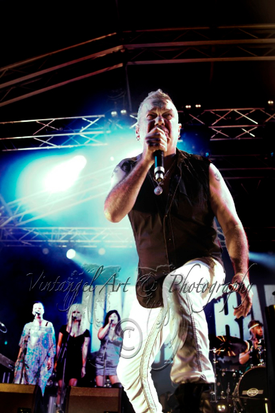 jimmy-barnes-live-perth-zoo-15-feb-2013-by-maree-king-2