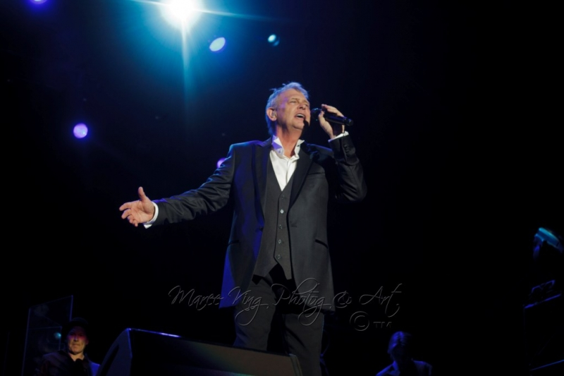 John Farnham LIVE Perth 2 Mar 2014 by Maree King  (1)