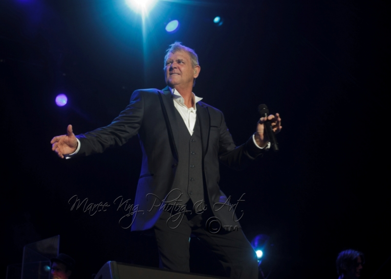 John Farnham LIVE Perth 2 Mar 2014 by Maree King  (2)
