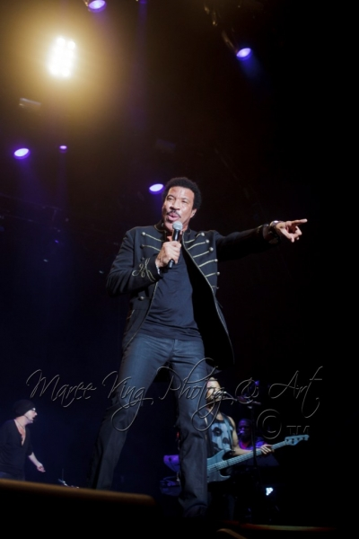 John Farnham LIVE Perth 2 Mar 2014 by Maree King  (9)