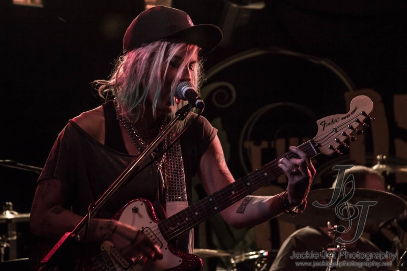 Axe Girl Live Perth 4 Dec 2014 by Jackie Jet  (1)