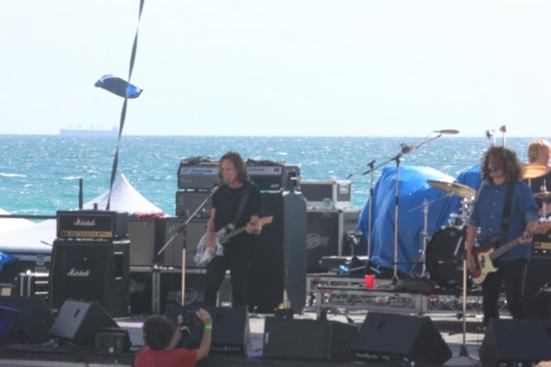 Live Scarborough Beach Perth Nov 30 British India by Shane Pinnegar (1)