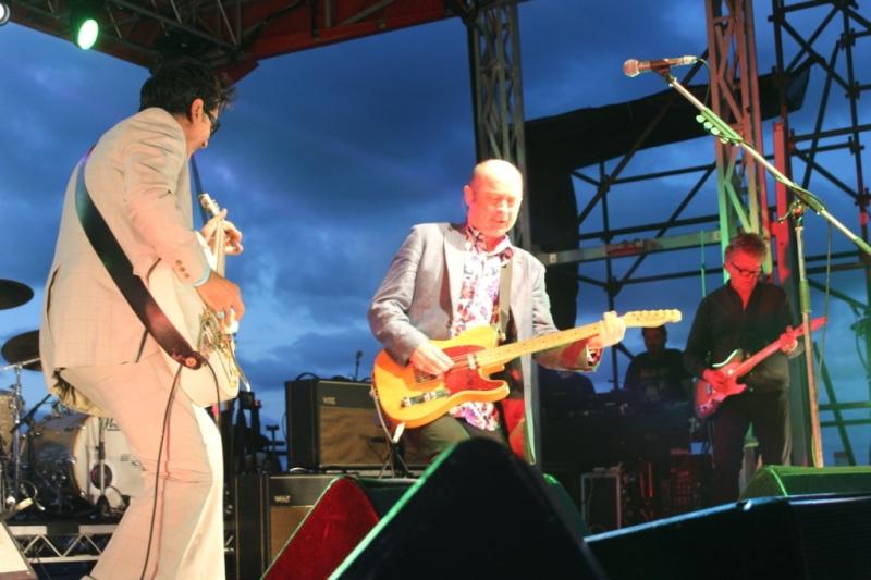 Live Scarborough Beach Nov 30 2014 Hoodoo Gurus by Shane Pinnegar  (14)