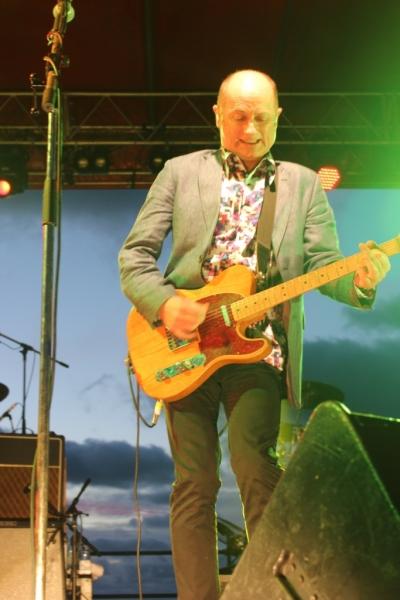 Live Scarborough Beach Nov 30 2014 Hoodoo Gurus by Shane Pinnegar  (15)