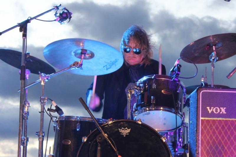 Live Scarborough Beach Nov 30 2014 Hoodoo Gurus by Shane Pinnegar  (6)