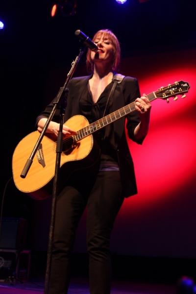 LIVE Suzanne Vega, Perth, 11 April 2014 by Shane Pinnegar  (15)