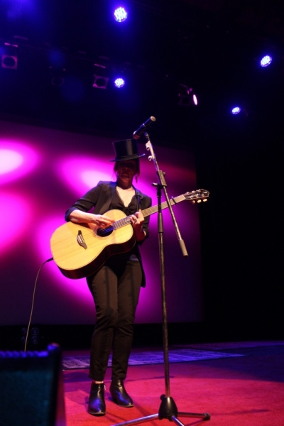 LIVE Suzanne Vega, Perth, 11 April 2014 by Shane Pinnegar  (6)