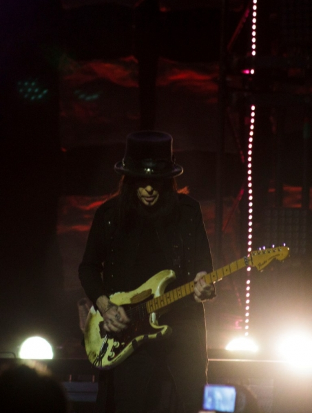 Motley Crue live in Perth 23 May 2015 by Maree King (3)