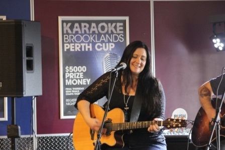 Rose Carleo LIVE Perth 21 June 2015 by Tia Pinnegar  (14)