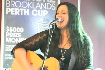 Rose Carleo LIVE Perth 21 June 2015 by Tia Pinnegar  (8)