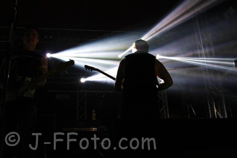 the-amity-affliction-live-soundwave-perth-04-mar-2013-by-j-f-foto-100-percent-rock-mag-3