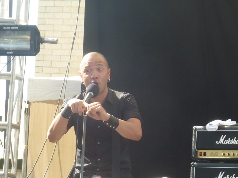 danko-jones-live-soundwave-perth-04-mar-2013-by-shane-pinnegar-100-percent-rock-mag-7