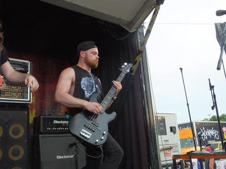 FFAK Bass