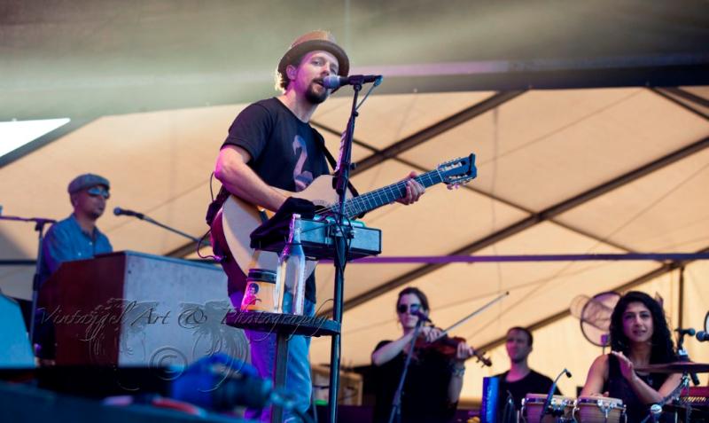 west-coast-blues-roots-day-one-jason-mraz-by-maree-king-100-percent-rock-magazine-2
