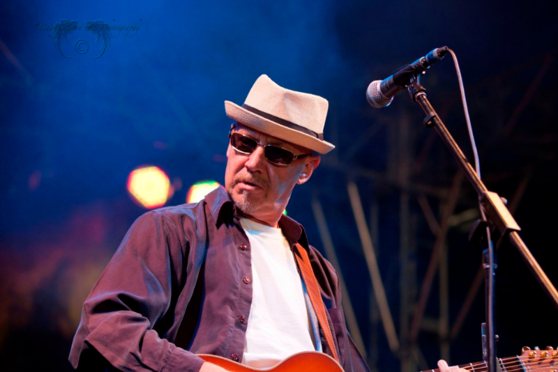 west-coast-blues-roots-day-one-russell-morris-by-maree-king-100-percent-rock-magazine-1
