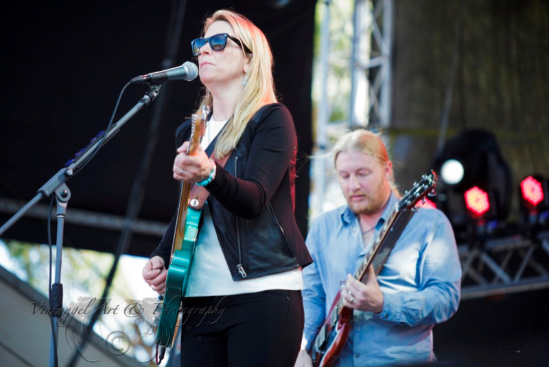 west-coast-blues-roots-day-one-tedeschi-trucks-band-by-maree-king-100-percent-rock-magazine
