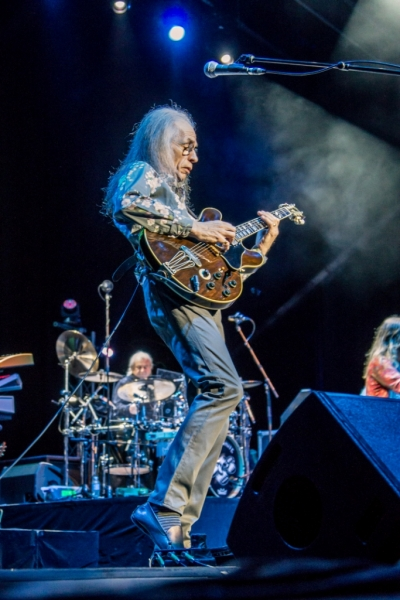 YES Live in Perth 12 Nov 2014 by Stuart McKay  (1)